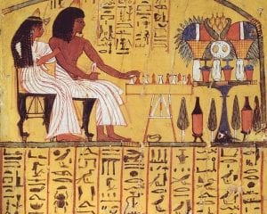 ancient egyptian royals playing board game